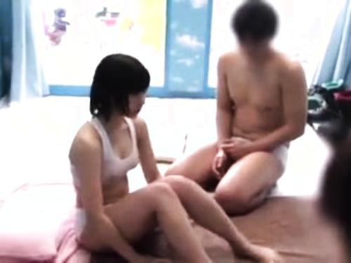 【MM号】オイルマッサージとろ~り中出しファックされちゃうムチムチロリ女子大生