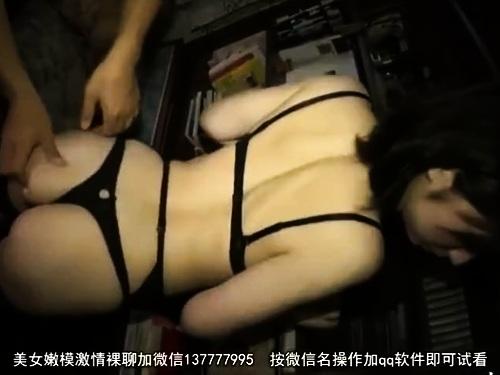 スレンダー超乳痴女の不倫フェラ口内射精