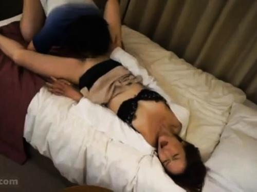 【寝取られ】熟女の不倫フェラ