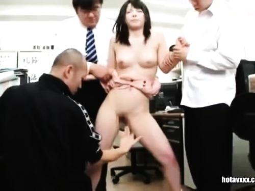 爆乳巨尻女教師の拘束強姦