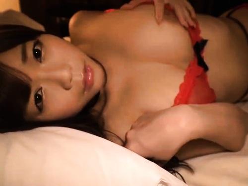 かわゆい超乳少女のオイルマッサージオナニー