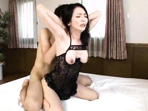 お姉さんの不倫エロ動画