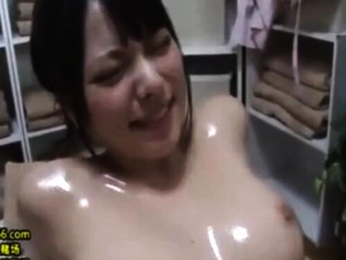 【NTR】美乳美人妻のエロ動画