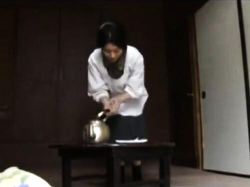 五十路おばさんのベロチューエロ動画