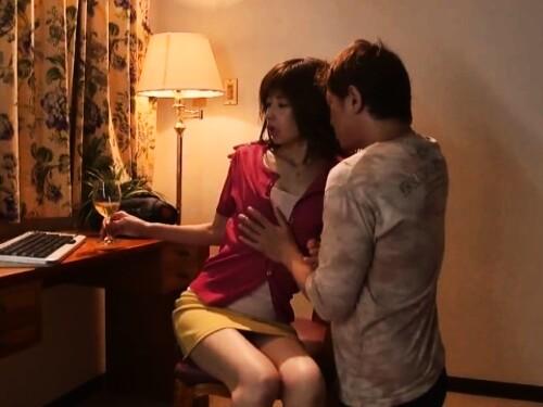 【NTR】細身スタイル抜群美熟女の不倫濃厚ピストン