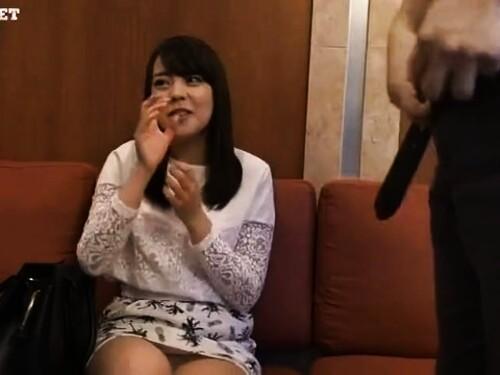 【素人ナンパ】美巨乳スレンダーお姉さんの素股