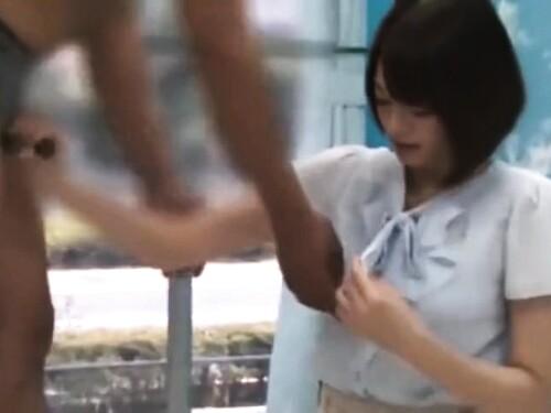 【素人ナンパ】美脚美少女の立ちバック