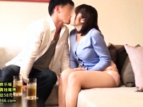 【人妻ナンパ】爆乳素人お姉さんのパイズリ