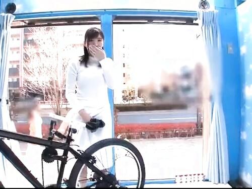 【素人ナンパ】お姉さんのイラマチオ騎乗位