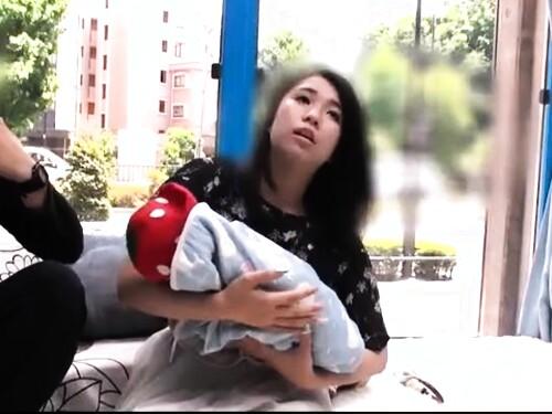 【人妻ナンパ】ちゃっかり中出しセックスされちゃう爆乳人妻