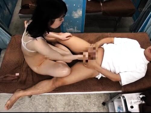 【マジックミラー】ペチャパイ女子大生の盗撮痙攣エロ動画