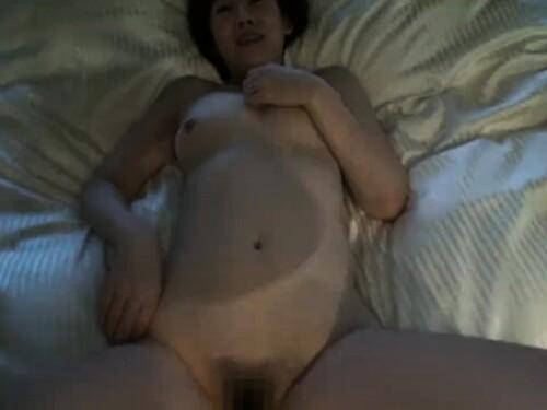 爆乳ショートカット人妻熟女のエロ動画