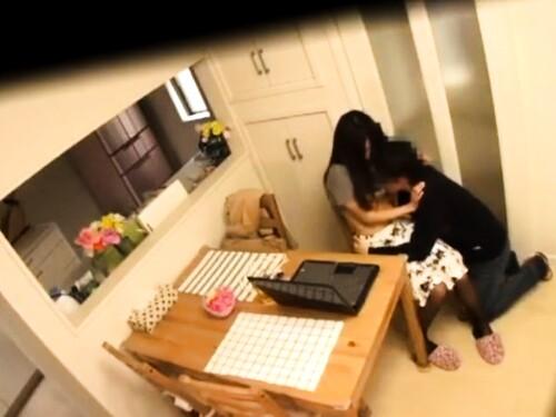 【寝取り】神乳熟女の盗撮フェラ