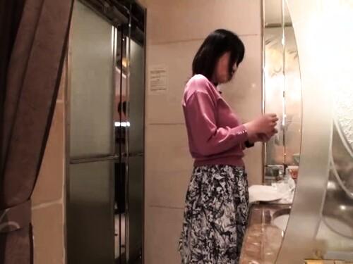 【寝取り】素人おばさんの不倫エロ動画