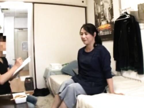 【熟女ナンパ】盗撮濃厚中出しされちゃう五十路美熟女