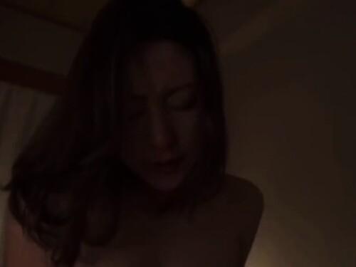 不倫フェラ騎乗位がっつり膣内射精されちゃう超乳人妻