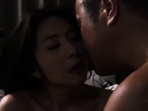 【寝取られ】美巨乳熟女のベロチューエロ動画
