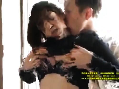 【寝取られ】美乳おばさんの不倫エビ反りエロ動画
